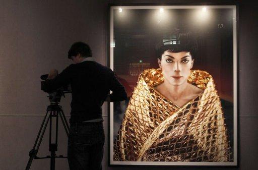 Milano, Michael Jackson vestito di luce - Pagina 2 159510