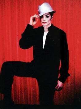 Milano, Michael Jackson vestito di luce - Pagina 2 3n10
