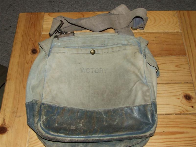 "RCAF ""Victory"" Bag 2005_023"