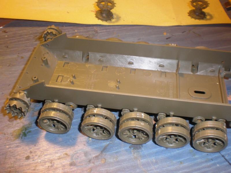 T55 Lame Dozer détaillage conduites d'essence finies Pa070211
