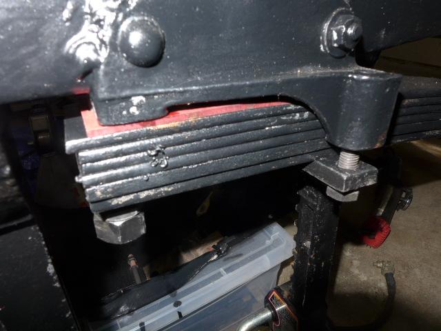 cale fibre entre chassis et ressorts - Page 3 P1020312