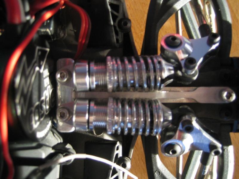 E-revo Cedleonr Photo/video modifs du 7/06 Chassis Carbon - Page 6 Img_3224