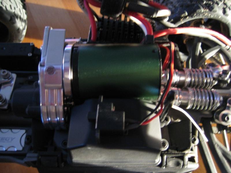 E-revo Cedleonr Photo/video modifs du 7/06 Chassis Carbon - Page 6 Img_3226