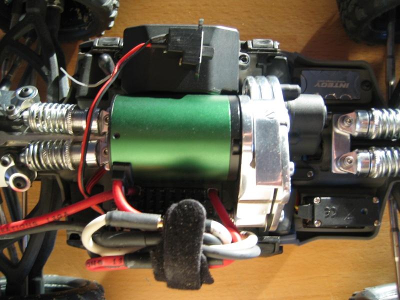 E-revo Cedleonr Photo/video modifs du 7/06 Chassis Carbon - Page 6 Img_3227