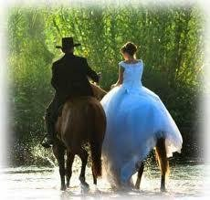 Mariages a Cheval.  Arrive10