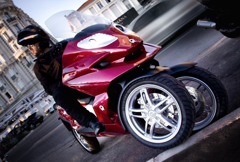 Quadro : Un scooter à 4 roues présenté à Milan  - Page 5 4d_dyn10