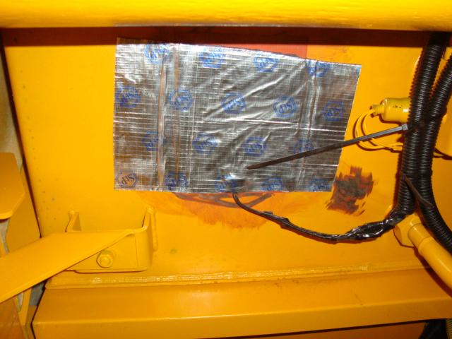 Установка нагревающих пластин на экскаватор-планировщик  Татра Uds114 Ndnnd310
