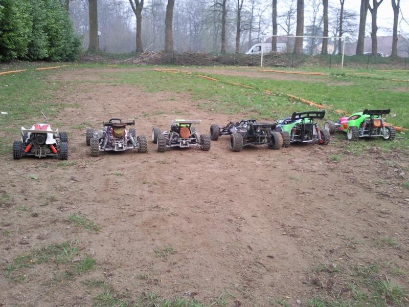 photos de quelques voitures du terrain  Photo017