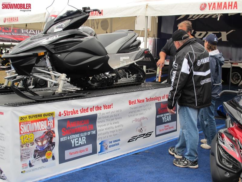 La meilleur motoneige de l'année !!! une.... Yamaha10