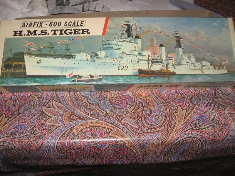 Airfix 1/600 HMS TIGER - rambardes Img_2510