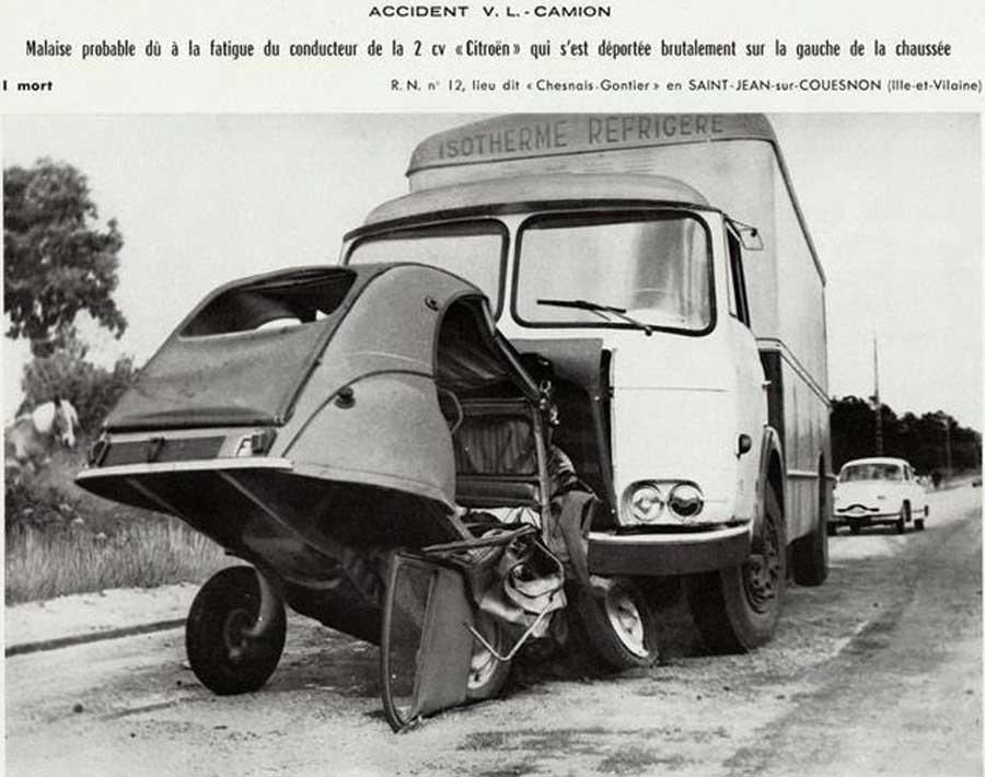Des photos d'époque de Concessions Mercedes-Benz partie 1 - Page 28 Auto_c10