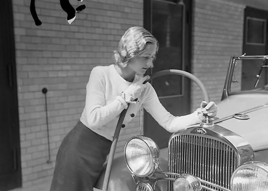 Des photos d'époque de Concessions Mercedes-Benz partie 1 - Page 15 Pompis22