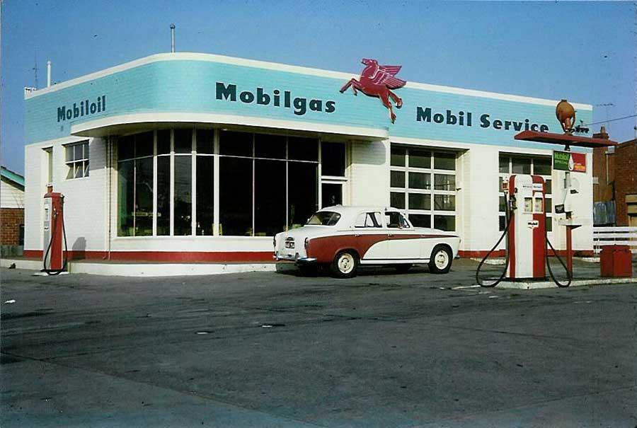 Des photos d'époque de Concessions Mercedes-Benz partie 1 - Page 34 Stati108
