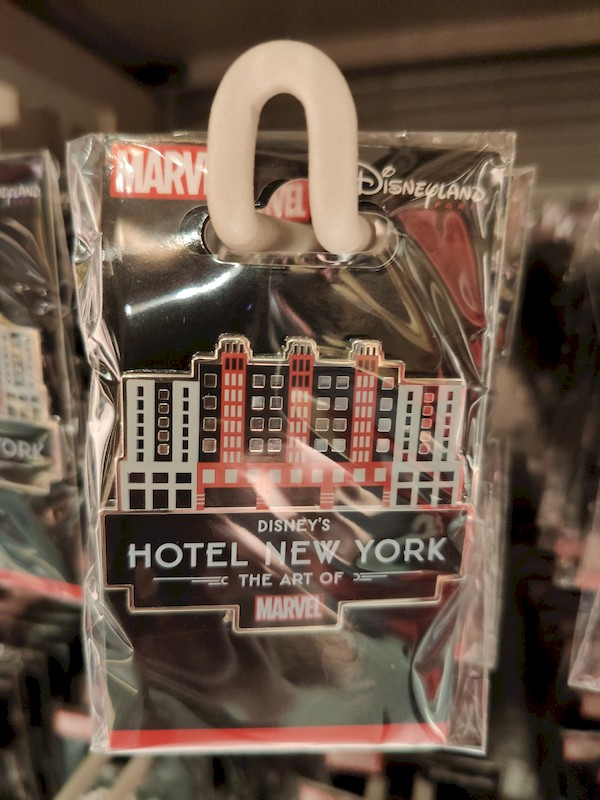 Disney's Hotel New York - The Art of Marvel [2021] - Page 39 Boutiq13