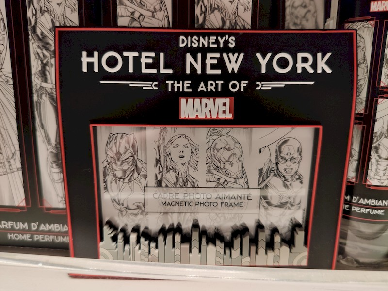 Disney's Hotel New York - The Art of Marvel [2021] - Page 39 Boutiq18