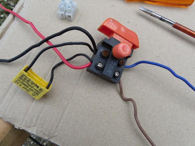 shuntage d' un interrupteur. Imgp0088