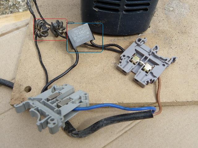 shuntage d' un interrupteur. Imgp0092