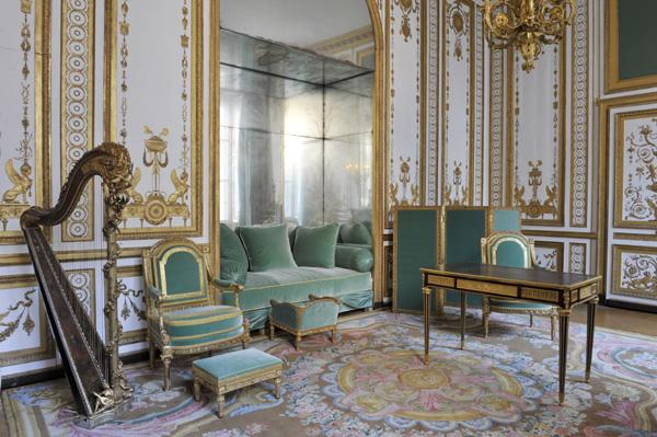 Le bureau de Marie-Antoinette Bureau13