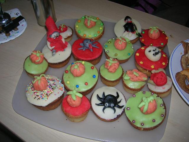 muffins et cupcakes d'halloween - Page 5 Dscn8327