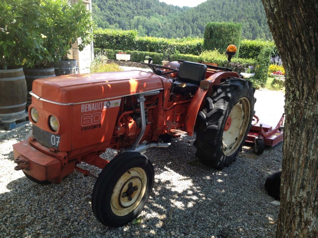 TRACTEUR - Tracteur Renault 60 Renaul10