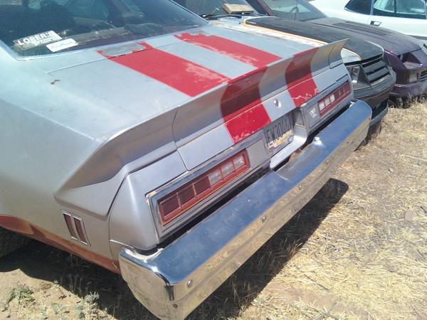 OK, Here is what I have. 1977 Malibu Classic......SE???? Wing_210