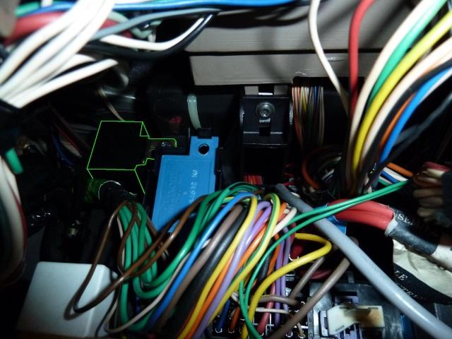 [RESOLU] Connection régulateur vitesse  - Page 3 Emplac10