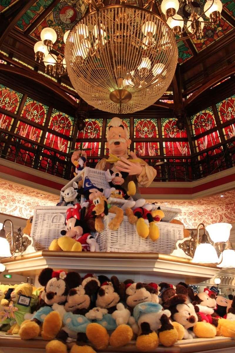 les details des boutiques en photos - Page 5 Disney20