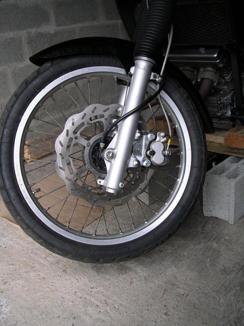 Achat groupé kit freins AV 320 mm - Page 6 Dscn3010