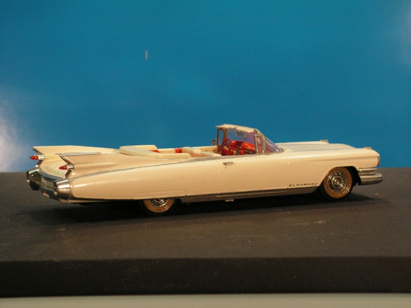 Cadillac Eldorado Modell 1959 von ? in 1:32  Pict2513