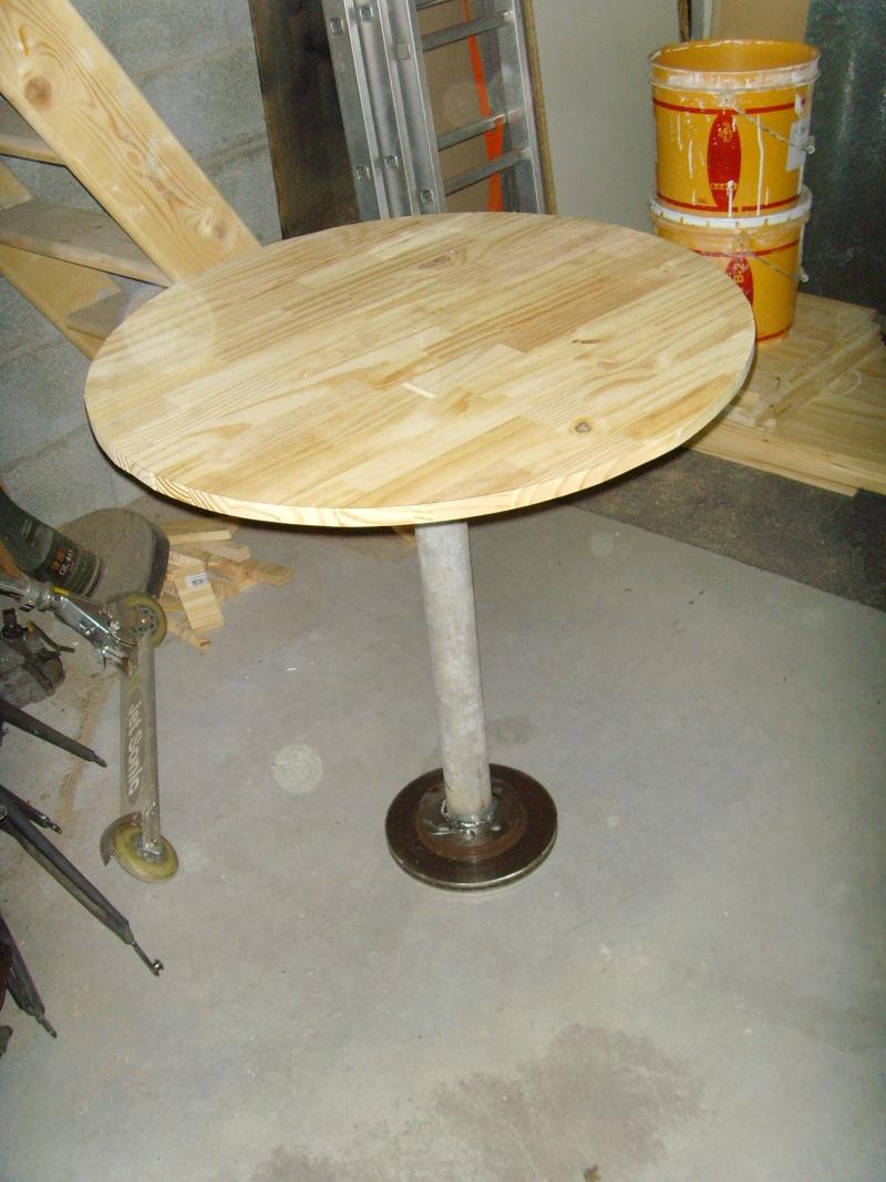 pied de table avec disque de frein de voiture Snv36113