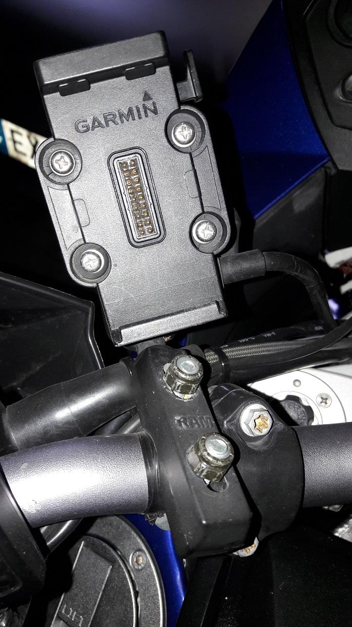 [cherche] support GPS moto Zumo 660 20210316