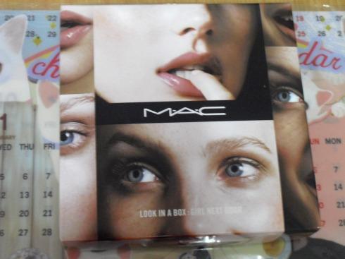MAC Look in a Box: Girl Next Door Set Cimg1510