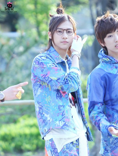 [PICS] 06.05.2011 Music Core Tumbl111