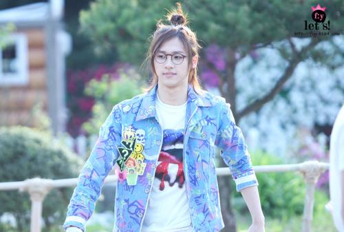 [PICS] 06.05.2011 Music Core Tumbl112
