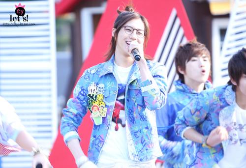 [PICS] 06.05.2011 Music Core Tumbl114