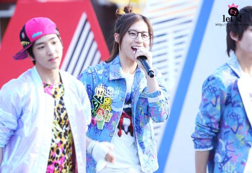 [PICS] 06.05.2011 Music Core Tumbl115