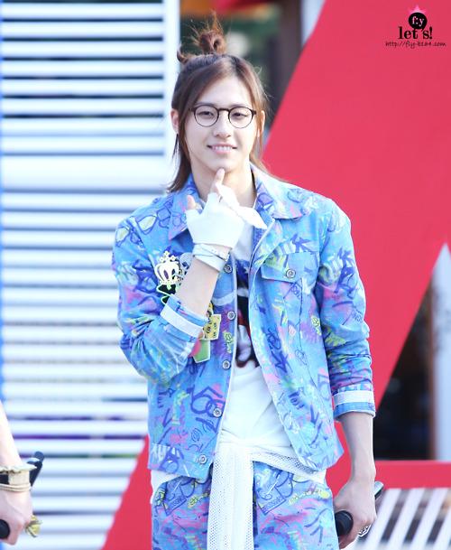 [PICS] 06.05.2011 Music Core Tumbl116