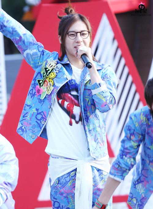 [PICS] 06.05.2011 Music Core Tumbl117