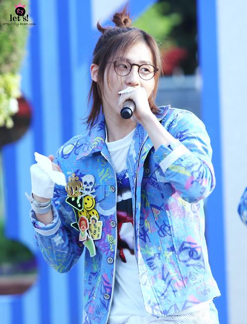 [PICS] 06.05.2011 Music Core Tumbl118