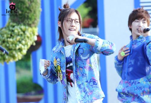 [PICS] 06.05.2011 Music Core Tumbl119