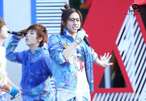 [PICS] 06.05.2011 Music Core Tumbl121