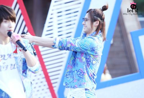 [PICS] 06.05.2011 Music Core Tumbl122