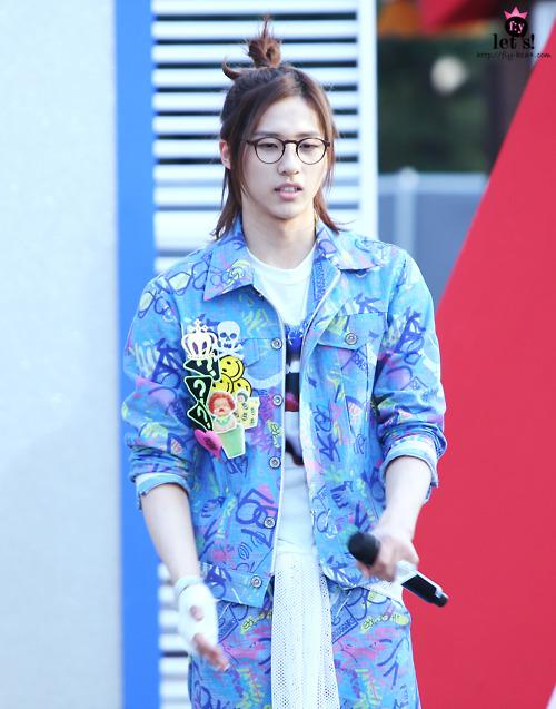 [PICS] 06.05.2011 Music Core Tumbl124