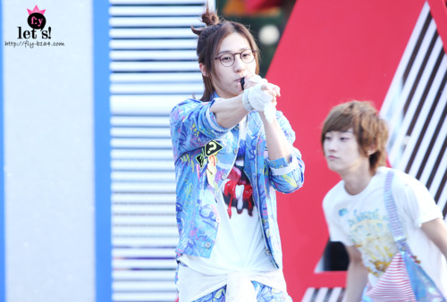 [PICS] 06.05.2011 Music Core Tumbl125