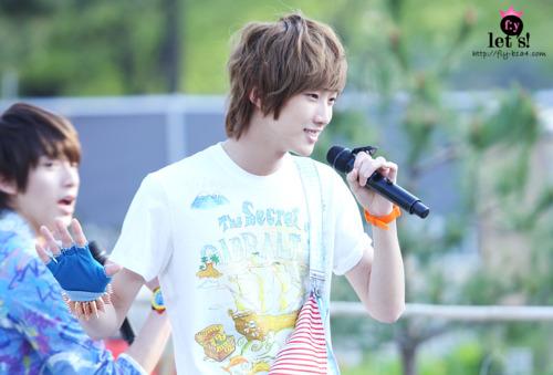 [PICS] 06.05.2011 Music Core Tumbl143
