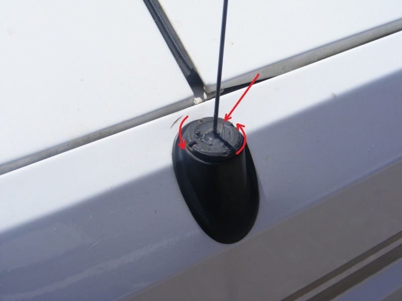 Remplacement antenne d'origine par antenne CB 7b10