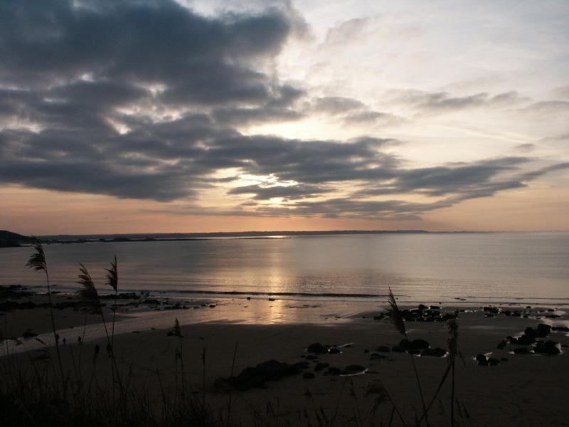 Quand le soleil descend sur la mer Co-410