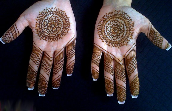 Gallery Of MEHNDI ! Best-m12