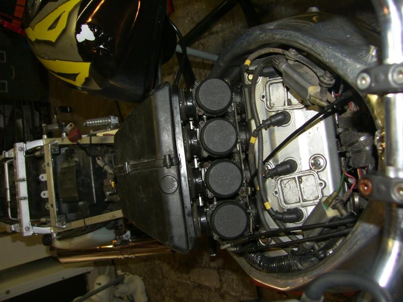 nouveau sur le forum et dans la restauration d'un zxr  Sh100014