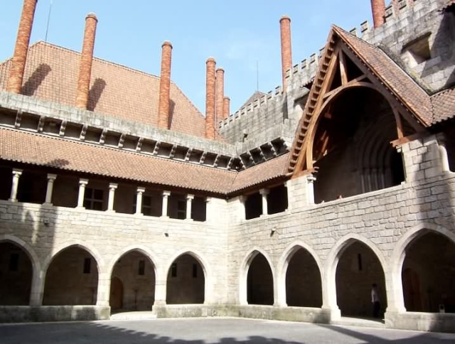 Monuments, gares, châteaux,... dans le monde 000410
